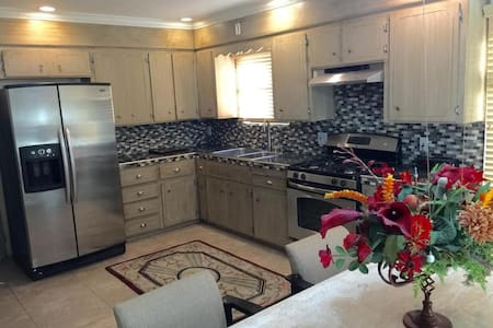 2 Rooms, Historical House in Heart of Phx! - Phoenix - House