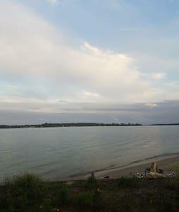 Riverfront Serenity Bungalow - Bungalow