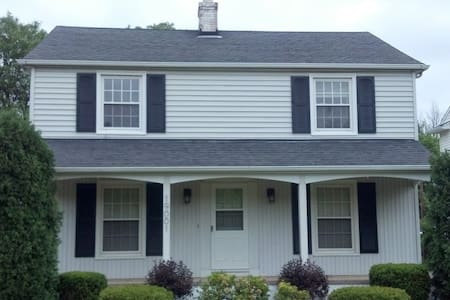 Family-Friendly 3B/2.5Bath for RNC - Shaker Heights