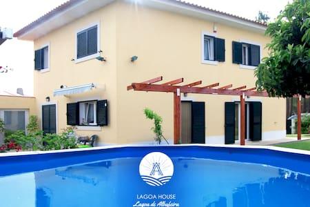 LagoaHouse_ Moradia c/ jardim, piscina,barbecue - Lagoa de Albufeira - Vila