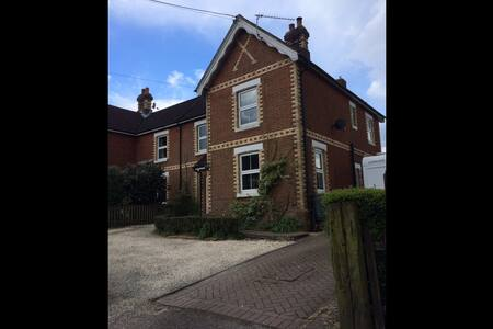 Victorian cottage, double-bedroom, rural views! - Durley Street - Pousada