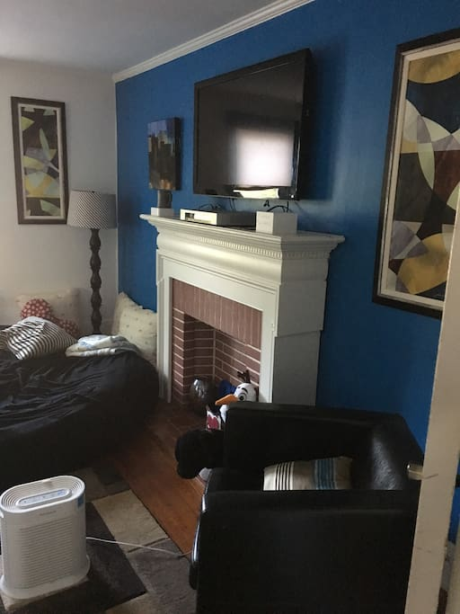 Small Bed Small Bedroom 9x9 Apartments For Rent In