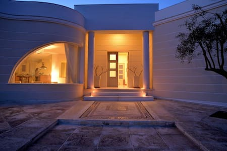 Villa with sea view in Syros - Βίλα