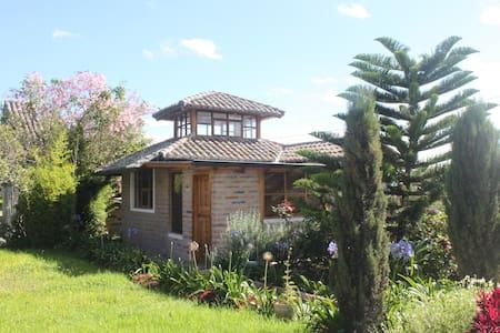 Hacienda Paraiso- Hummingbird suite - Kisház