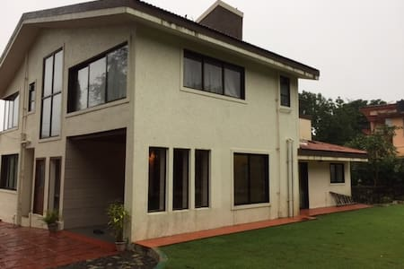 Comfort stay Luxury 4 Bhk Villa In Khandala - Lonavala - Bungalow