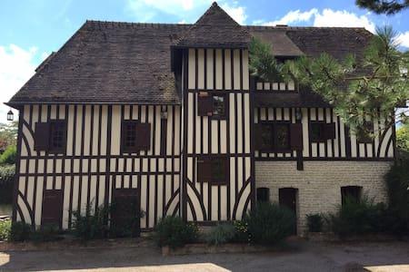 Maison normande à la campagne - Crouttes - Villa