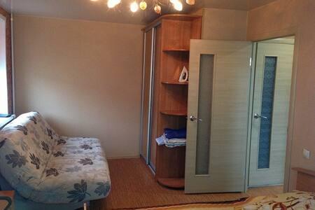 Квартира Люкс Посуточно - Kamensk-Uralskiy