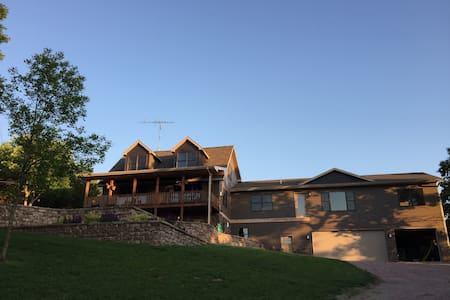 Lewis and Clark Lake Loft - Crofton - Loft