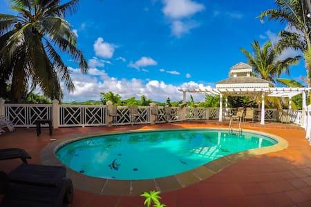 TROPICAL 3BR: Coconut Hideaway Villa Saint Lucia - Villa