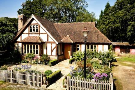 Restfold, The Country hideaway in Surrey - Ockley - Bed & Breakfast