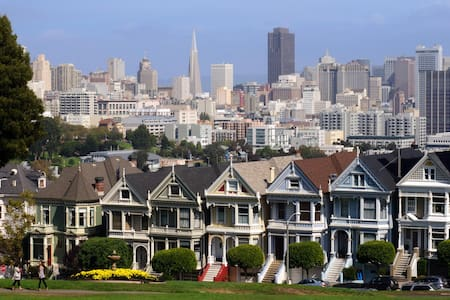 Stay in the Famous Painted Ladies! - San Francisco - Appartamento
