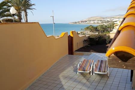 OUTSTANDING VIEWS ON THE SEA FRONT OF COSTA CALMA - Pájara - Villa