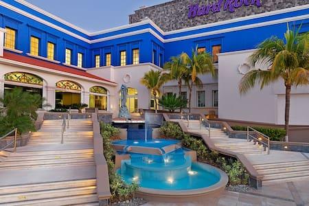 HARD ROCK HOTEL  RM 2 ADULTOS TODO INCLUIDO (LEER) - Lejlighed
