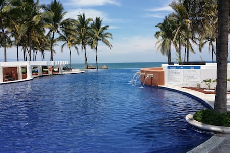 Beachfront Luxury House in condo, Nvo Vallarta - Nuevo Vallarta - House