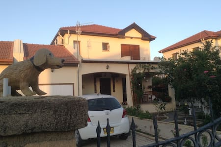 villa with private pool near beach - Alsancak - 별장/타운하우스