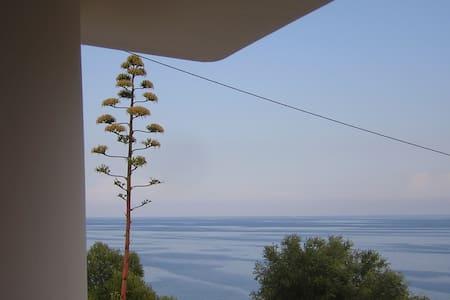 salento house looking the lovely blue sea - Casa