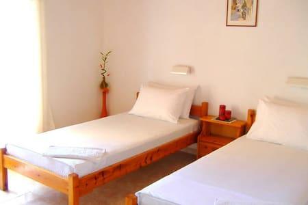 Studio (1 double bed or 2 singles) - Corfu - Appartement