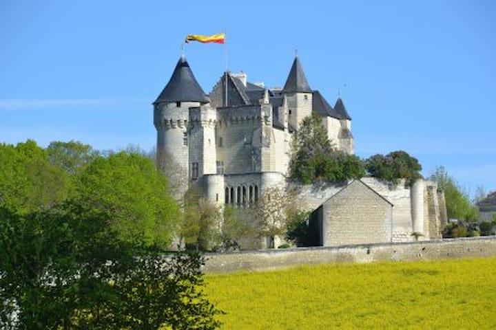 Chambre Geoffroy du Bec, Usseau - Castle