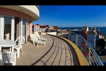 Lovely apartment with seaside terrace - Бургас