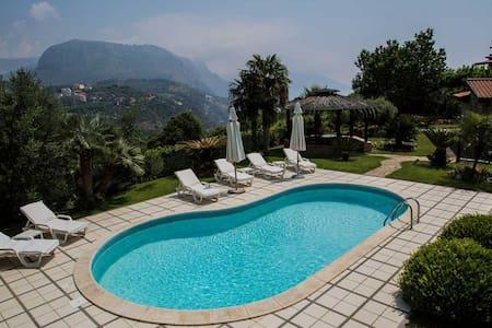 Villa with private pool - Colli di Fontanelle - Villa