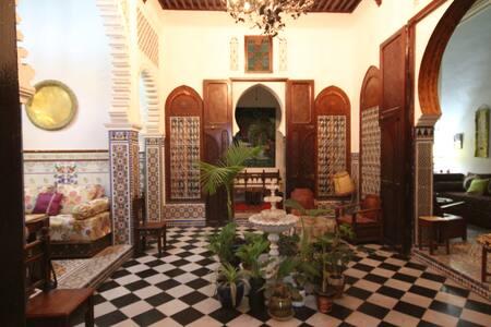 Chambre BARBEROUSSE dans le riad FARACHA - Rivitalo