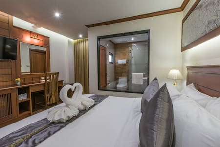 New Private Deluxe Double Bed with Breakfast - Chiang Mai