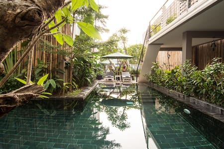 Double Leaf Boutique Hotel - Superior Room - Phnom Penh - Bed & Breakfast