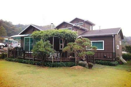 쉼터 - Seosu-myeon, Gunsan - House