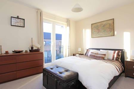 En suite double room in luxury Townhouse - Townhouse