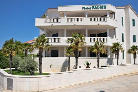 Villa Palme apartment no.5 Sleeping 4 + 2 - Apartment