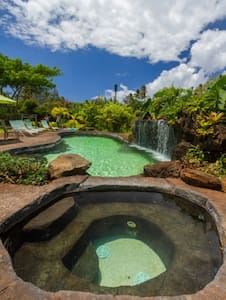 North Shore Beachside with Pool & Jacuzzi - Rumah