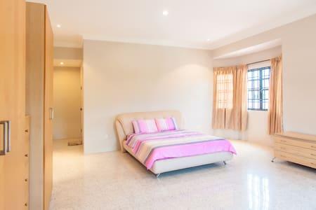 Cozy Family House 5BR Double Storey - Klang - Haus