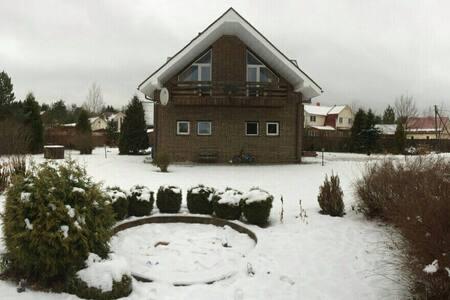 2х этажный дом 175 кв метров - Varkalovo - Huis