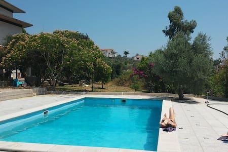 Appartamento in Villa con piscina - Campodivivo - Villa