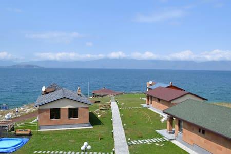 Коттедж с видом на озеро Севан - Sevan