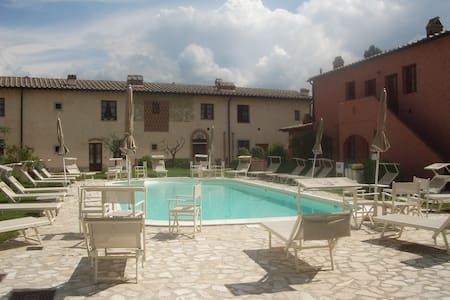 Tuscany offer: Stay 7, pay 5 nights - Montaione - Hus