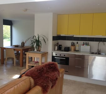 A private, self-contained Studio - Langmere - Apartment