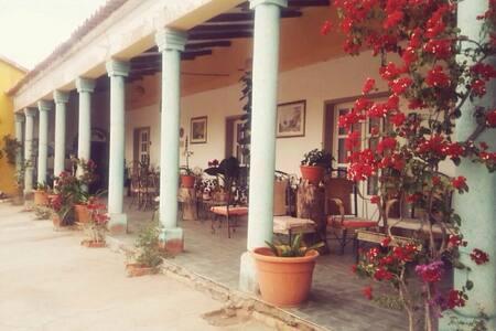 Suite privada en Hacienda y Bodega - Villa