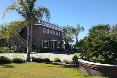 Spacious Guest House In Poway - 一軒家