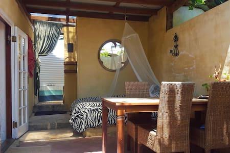 Fremantle Khaya Studio - White Gum Valley - Apartmen
