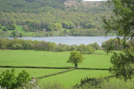 Lake District cottage with lake views - Coniston - Casa