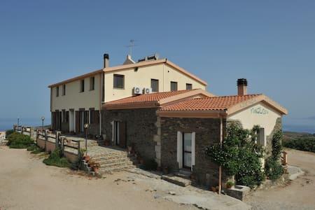 Sardegna con vista sul mare - Bed & Breakfast