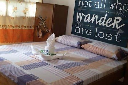 AC Room for Two w/ Breakfast Near Alona Beach - Bed & Breakfast