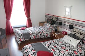 Picture of Vals home a sunny bright twin room