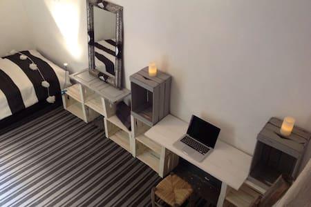 Cozy room in Marrakech Medina - Casa