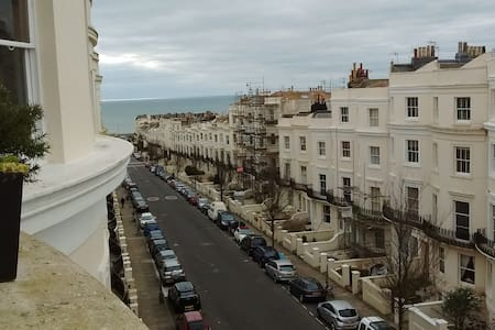 Beautiful central Hove flat close to seafront - ホーブ - アパート