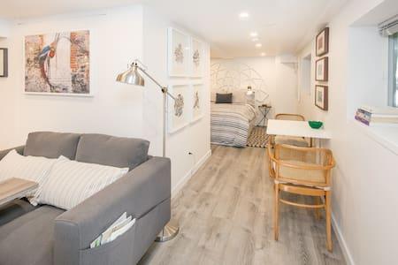 Cozy Studio suite in Mount Pleasant - Vancouver
