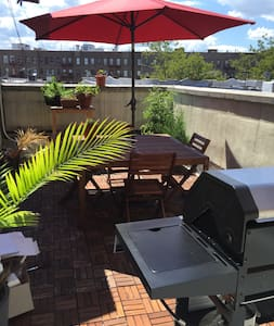 Spacious 1 bedroom with Private Deck with Grill - Brooklyn - Lakás