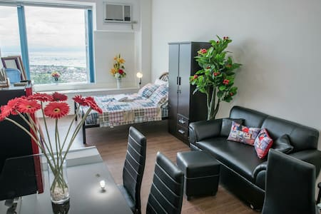 TITAN 2610 CONDO @ Entrata Alabang - Appartement en résidence