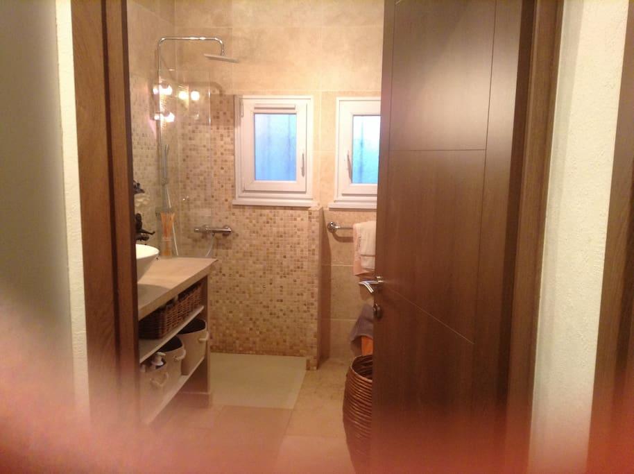 grande SDB avec douche italienne